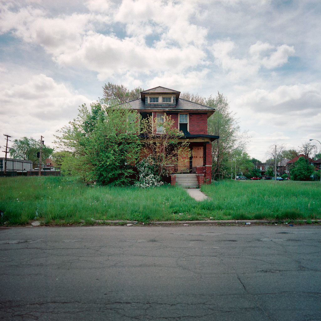 Published May 10th, 2009 in housing, abandoned, recession, dysfunctional, ...
