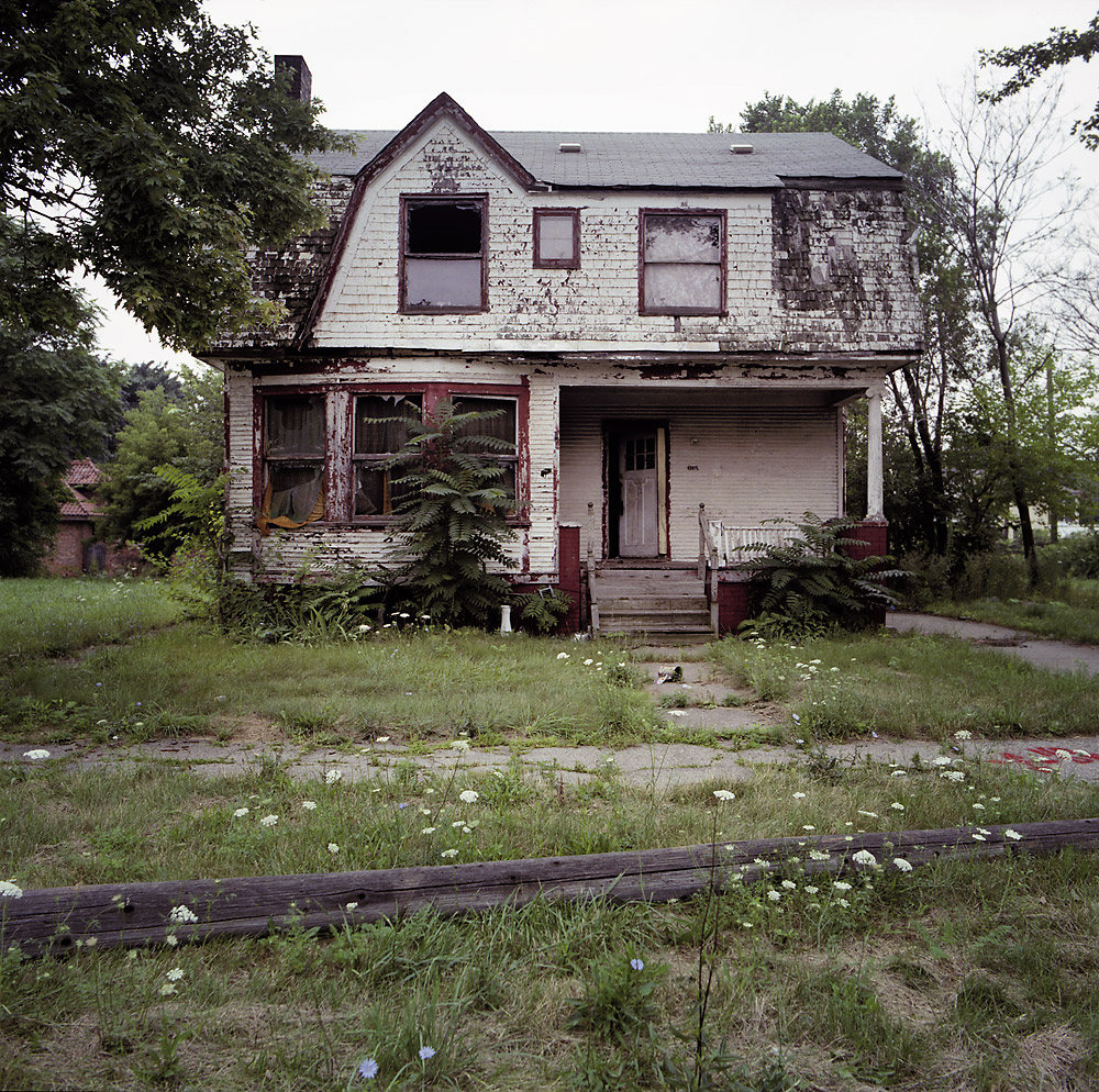 abandoned_house_2.jpg